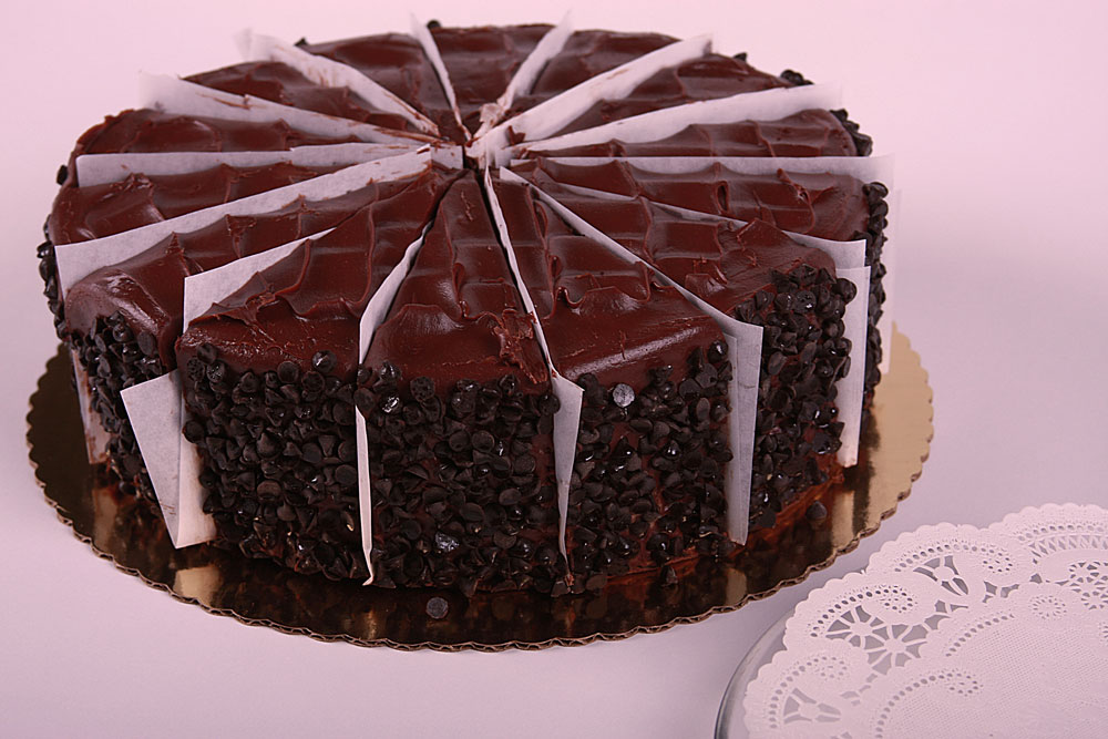 10″ Chocolate Fudge Cake